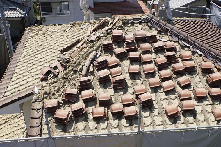 箕面市の雨漏り修理